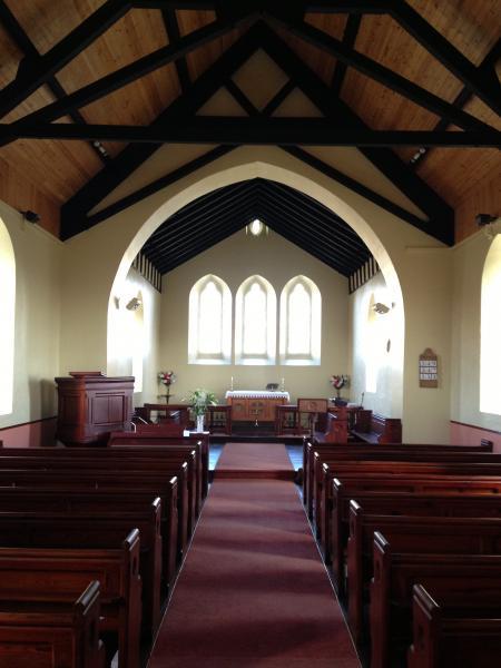 Eglwys y Tri Sant, Llantrisant